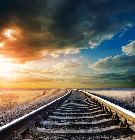 Photo pour railway to horizon - image libre de droit