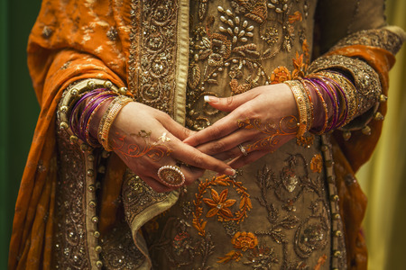 Foto de Details of indian bride look and dress - Imagen libre de derechos