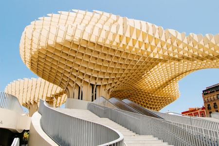 Foto de Metropol Parasol, Seville, Spain.Summer travel in Spain - Imagen libre de derechos