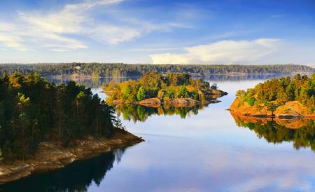 Photo pour Stockholm Archipelago on the Baltic Sea in the morning - image libre de droit