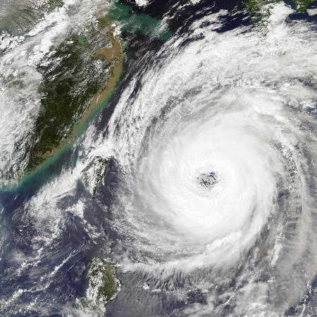 Foto de Typhoon Trami Takes Aim at Japan. - Imagen libre de derechos