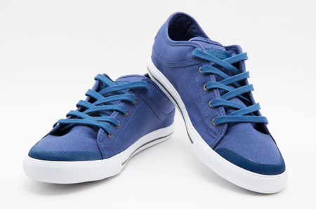 Photo pour Pair of new sneakers - image libre de droit