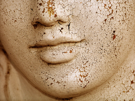 Foto de Dried skin cracked woman sculptural face close up - Imagen libre de derechos