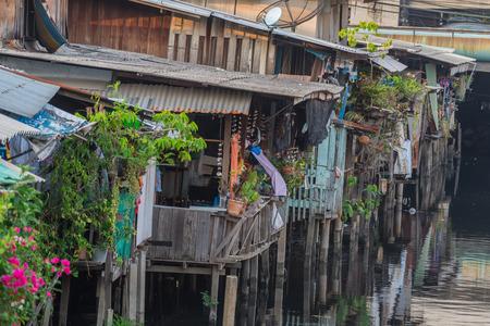 Photo pour Life in the slums of Bangkok,Thailand - image libre de droit