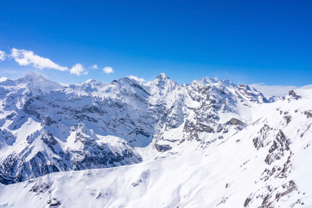 Photo pour Stunning panoramic view of the Swiss Alps from the top of the Schilthorn mountain in the Jungfrau region of the country - image libre de droit
