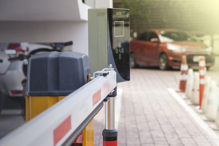 Photo pour Vehicle security barrier gate on the car parking - image libre de droit