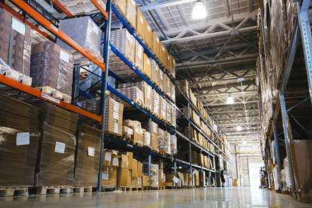 Photo pour Interior of a modern warehouse - image libre de droit