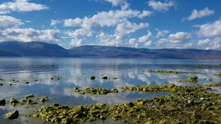Photo pour lake prespa in macedonia - image libre de droit