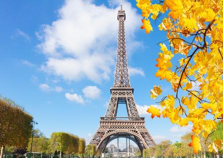 Photo pour eiffel tower, France - image libre de droit