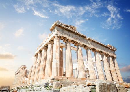 Photo pour Parthenon temple over sunrise sky background, Acropolis hill, Athens Greece - image libre de droit