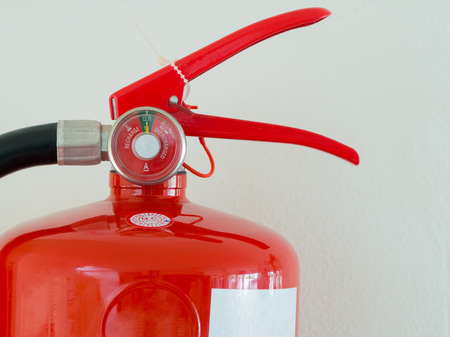 Photo pour close up, Fully Charged Meter on red Fire Extinguisher. - image libre de droit