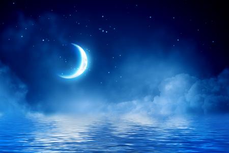 Foto de Half moon in starry sky - Imagen libre de derechos