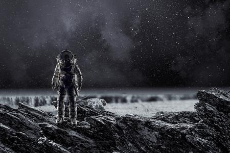 Foto de Spaceman landing planet. Mixed media - Imagen libre de derechos