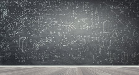 Photo pour Chalkboard with formulas - image libre de droit