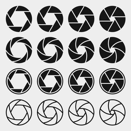 Illustration pour Camera shutter icons - image libre de droit