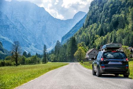 Photo pour car for traveling - image libre de droit