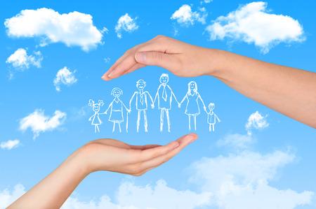 Foto de Family life insurance, protecting family, family concepts. - Imagen libre de derechos