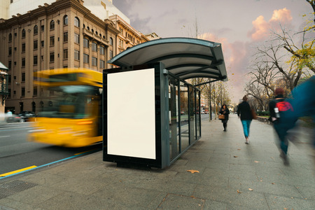 Foto de Blank outdoor bus advertising shelter - Imagen libre de derechos