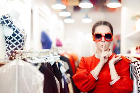 Foto für Shopping with Big Sunglasses Woman Keeping a Secret - Lizenzfreies Bild