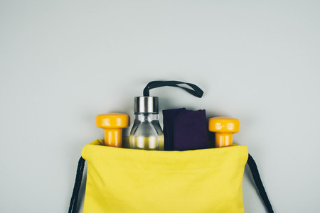 Photo pour Creative flat lay of sport and fitness equipments with copy space. - image libre de droit