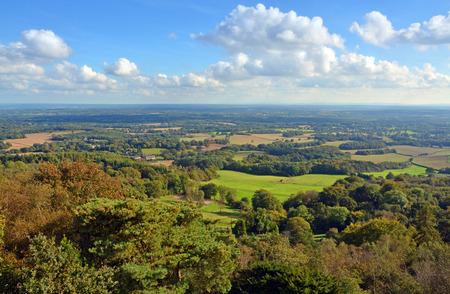 Photo pour Panoramic View from Leith Hill across the Surrey South Downs & Weld to Brighton, UK. - image libre de droit