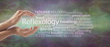 Photo pour Reflexology Descriptive Word Tag Cloud Banner - female cupped hands with the word REFLEXOLOGY floating between surrounded by a relevant word tag cloud on a rustic multi coloured background - image libre de droit