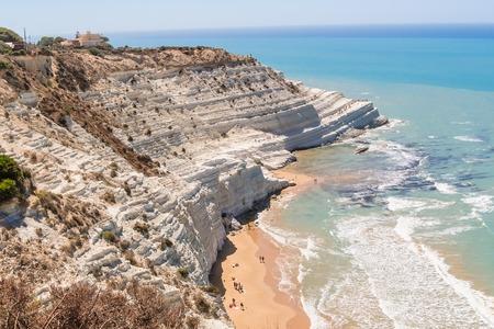 Foto de The white cliff called Scala dei Turchi in Sicily, near Agrigento - Imagen libre de derechos