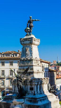 Photo pour Infante D. Henrique (Prince Henry the Navigator) statue in Porto city in Portugal. - image libre de droit