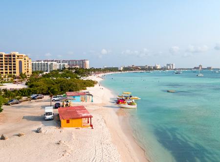 Foto per Aerial from Palm Beach on Aruba island in the Caribbean Sea - Immagine Royalty Free