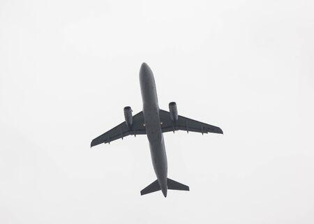 Foto de Chiangmai, Thailand - July 16 2019:  B-HSE Airbus A320-200 of Dragonair. Take off from  Chiangmai airport to Hongkong airport. - Imagen libre de derechos