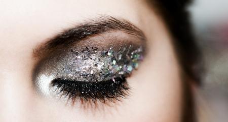 Foto de Close-up portrait of beautiful caucasian young woman - Imagen libre de derechos