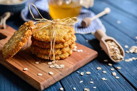 Foto de Anzac biscuits - traditional Australian oatmeal and coconut cookies - Imagen libre de derechos