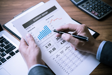 Photo pour Man Analysis Business Accounting - image libre de droit