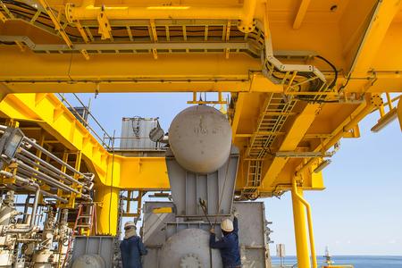 Foto de Offshore Industry oil and gas production petroleum pipeline. - Imagen libre de derechos