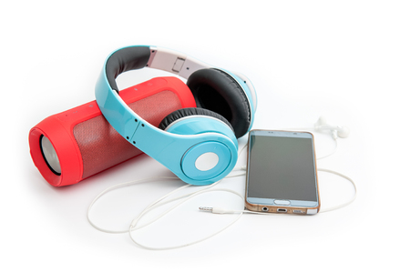 Photo pour Speakers, headphones and phones, music devices - image libre de droit