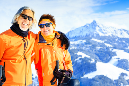Photo pour Senior Couple In The Mountains - image libre de droit