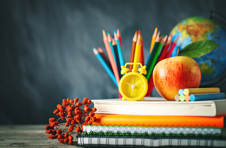 Photo pour Back to school background with school supplies. - image libre de droit