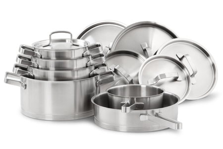 Photo pour Stainless steel pots and pans isolated on white background - image libre de droit