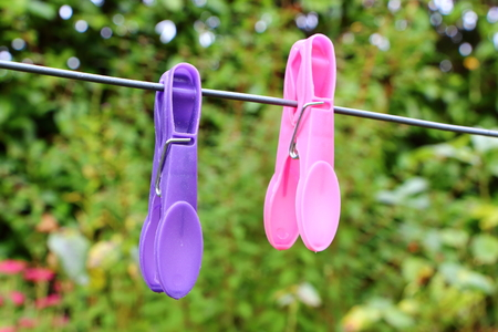 Photo pour Clothes pin on a washing line - image libre de droit