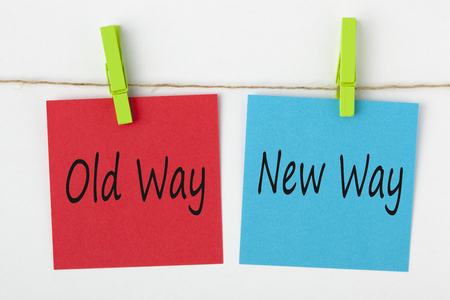 Photo pour Old Way and New Way note paper with wooden pinch on white background. Business Concept. - image libre de droit