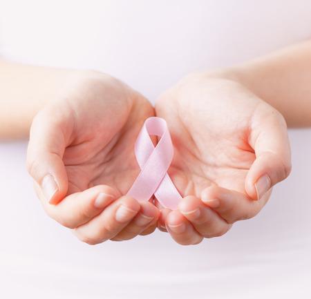 Photo pour pink breast cancer awareness ribbon - image libre de droit