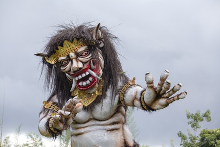 Foto de Impresive hand made structure, Ogoh-ogoh statue built for the Ngrupuk parade, which takes place on the even of Nyepi day in Bali island, Indonesia, close up - Imagen libre de derechos