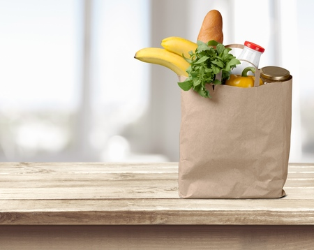 Photo pour Groceries, Paper Bag, Bag. - image libre de droit