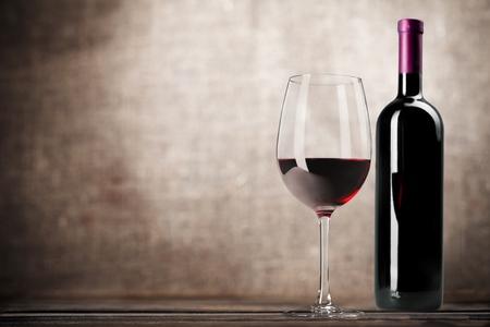 Photo pour Wine Bottle. - image libre de droit