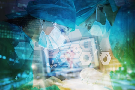 Foto de Close-up of a nurse standing in an operating room - Imagen libre de derechos