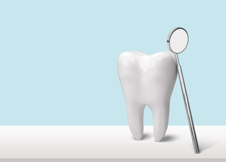 Photo pour Tooth and dentist mirror - image libre de droit