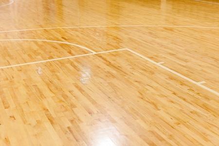 Foto de Wooden Floor of Basketball Court - Imagen libre de derechos