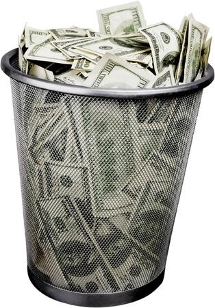 Photo pour money in a garbage bin - image libre de droit