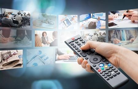 Photo pour Watching TV - image libre de droit