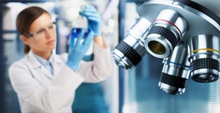 Foto de Scientist working on laboratory equipment - Imagen libre de derechos